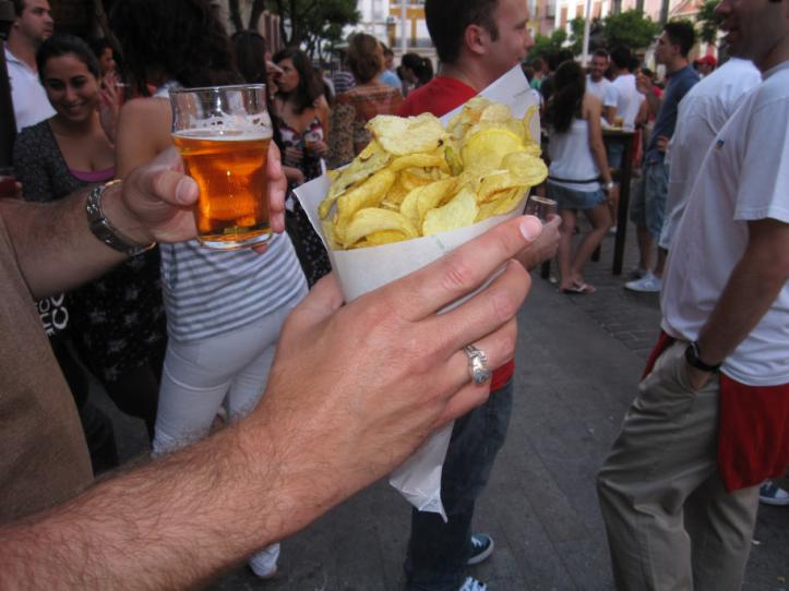 Patatas Fritas y una Caña - Plaza del Salvador - Sevilla, Spain